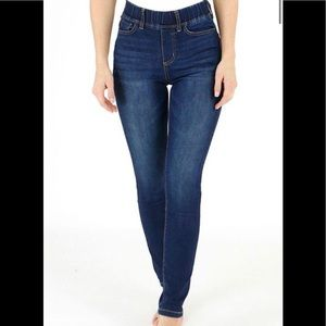G&L Classic Mid Rise Pull On Jeggings in Dark Wash -NWT
